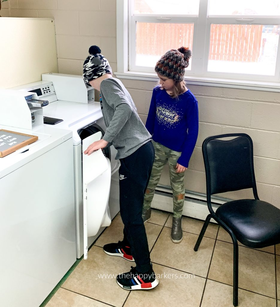 Kyle and Ellie help me do laundry in the campground laundry room